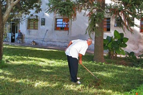 Cottolengo (trabajando jardin)