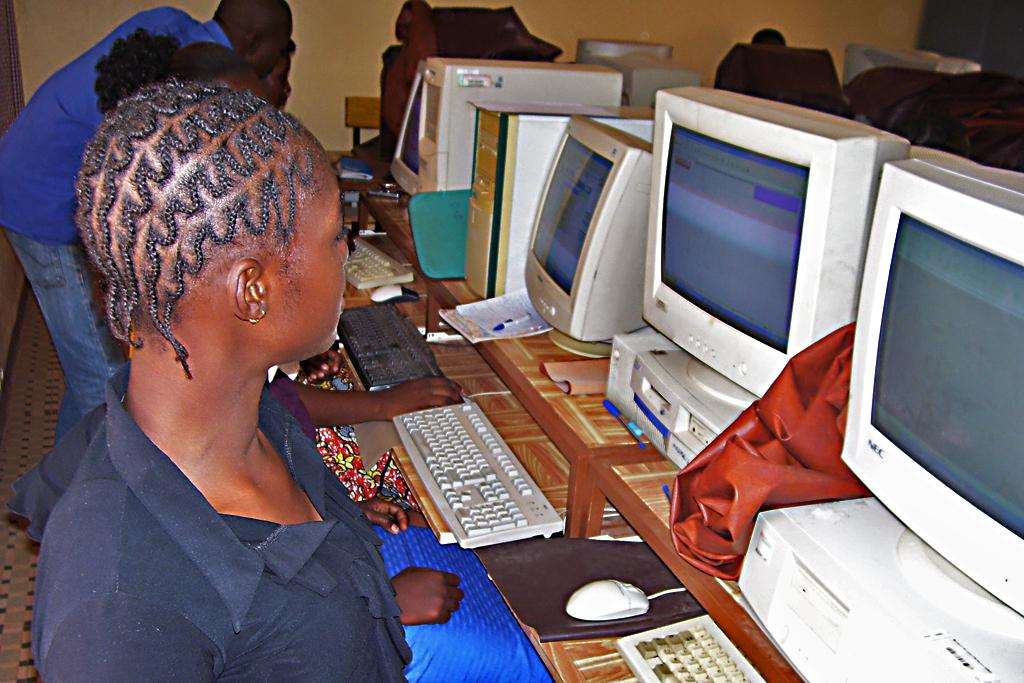 Dedougou (clase de Informatica)