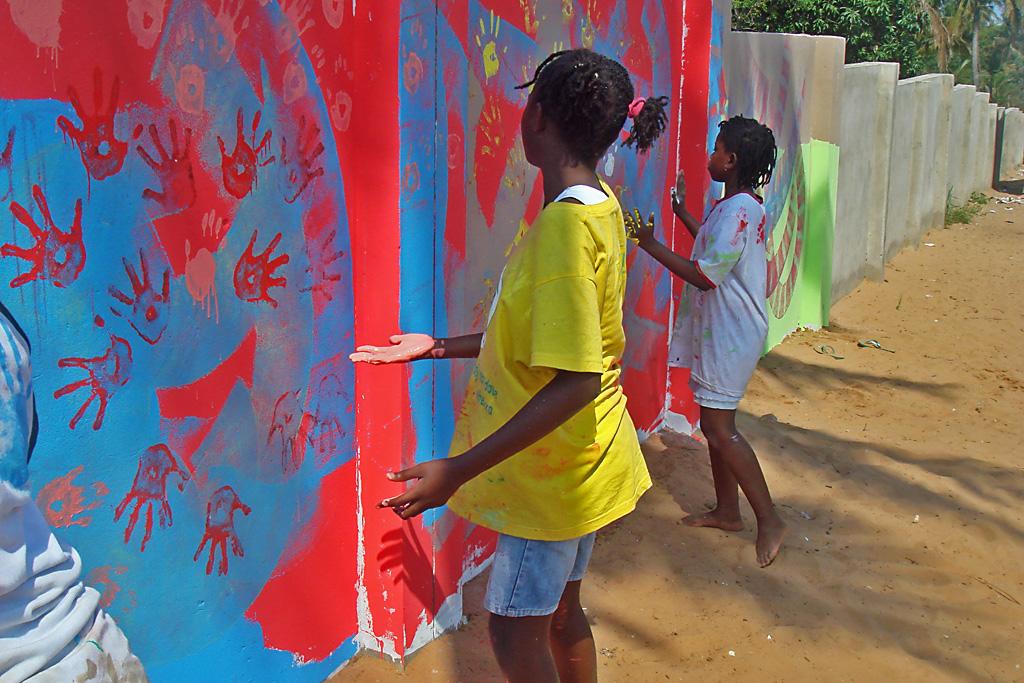Inhambane (Pintando nuevo muro)
